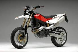 http://tbn0.google.com/images?q=tbn:2EcbHuM6KbMK0M:http://www.motorcyclespecs.co.za/Gallery%2520B/Husqvarna%2520SM610%252007.jpg