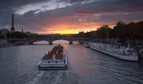 Paris_Bateau_mouche dans découverte - discovery - descubrimiento