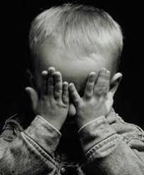 علاج ظاهرة الخجل والإنزواء الأطفال