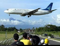 http://tbn0.google.com/images?q=tbn:8dn_kAttigOOJM:http://nofieiman.com/wp-content/images/garuda-indonesia-pk-gzc-ga-.jpg