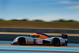 Les Aston-Martin 26101