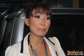 Presenter yang biasanya bertingkah kocak dalam membawakan acara, Ayu Dewi, ... - ayu_dewi-20101130-002-budi