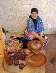 فوائد زيت الاركان........ المغربى رووعة Argan%20Oil%20Co