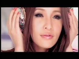Elva Hsiao In Ximending - elva-hsiao-taiwan-singer