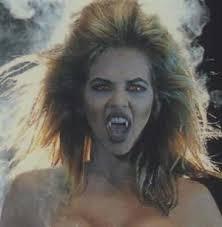 http://tbn0.google.com/images?q=tbn:Gb5SihuXXMcNZM:http://khoahoc.com.vn/photos/Image/2006/10/26/vampire1.jpg