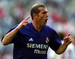أشهر لاعبي كرة القدم zidane.jpg