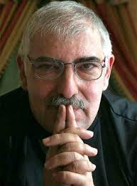 http://tbn0.google.com/images?q=tbn:JD3q_WU1Fq2-WM:http://www.elpais.com/recorte/20070415elpdmgrep_7/LCO340/Ies/Jorge_Bucay.jpg