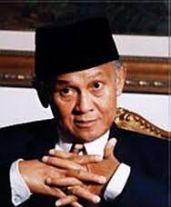 http://tbn0.google.com/images?q=tbn:JaoUFdvJbGyHGM:http://www.geocities.com/nedindie/habibie.jpg