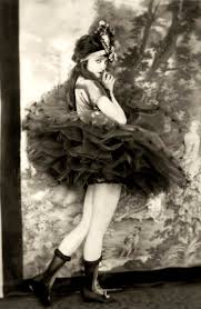 a pretty ziegfeld girl pic