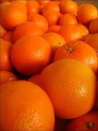 """L'image """"http://tbn0.google.com/images?q=tbn:K_PF_9qBJ6QSKM:http://www.testadaz.com/blog/images/admintdz/2007-06/des_oranges_plein_d_oranges_de_couleur_orange_189.jpg"""" ne peut être affichée car elle contient des erreurs."""