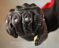 racer-gloves-knuckles.jpg