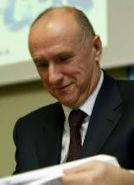 El Gobierno ficha a un ex viceconsejero del PNV para la venta de Naturgás. Javier Aramburu. - 5868379