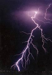 Lightning-830503.JPG