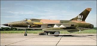 http://tbn0.google.com/images?q=tbn:QbicQCmesShETM:http://www.military.cz/usa/air/post_war/f105/f105d_thunderchief.jpg