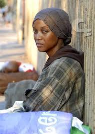 donna somala senzatetto