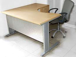 угловая офисная мебель