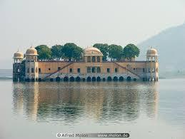 http://www.molon.de/galleries/India/Rajahstan/Jaipur/Misc/img.php?pic=4