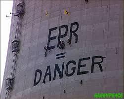 20030727-epr-danger-peint-sur-la-tour-de-la-centrale-nucleaire.jpg