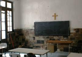Los crucifijos deberán abandonar los colegios públicos