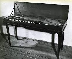 جميع الالات الموسيقيه Mozart's_Clavichord.