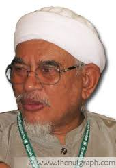 Hadi AwangHe says that furthermore, it was the way in which Umno played up this proposal ... - HadiAwang-whitebg