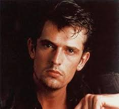http://tbn0.google.com/images?q=tbn:_-YISaYWsi3ilM:http://cinemagia.files.wordpress.com/2009/03/rupert_everett1.jpg