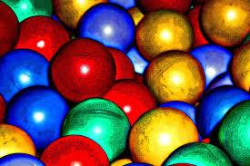 http://tbn0.google.com/images?q=tbn:_xyOnSr7_r2mxM:http://concursos.ojodigital.net/albums/userpics/10007/Colores%2520de%2520plastico.jpg