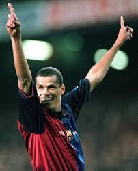 http://tbn0.google.com/images?q=tbn:dKQkH9FaBNOGMM:http://www.geocities.co.jp/Athlete-Athene/7813/soccer/rivaldo.jpg