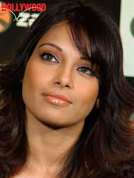 Bipasha Basu launches zapak.tv