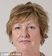 Elaine Phillips, 57 - article-1223780-06ACEF24000005DC-945_224x241