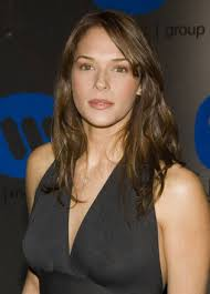 Amanda Righetti is gorgeous. She\x26#39;s landed the role of a lifetime on The ... - amanda-righetti-picture