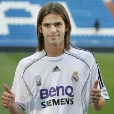 أشهر لاعبي كرة القدم Fernando_Gago.jpg