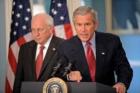 Bush, Cheney et Cie accusés de crimes de guerre dans un dossier du FBI thumbnail