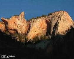 http://tbn0.google.com/images?q=tbn:rVY5IYzuyK3RNM:http://www.alwasan.net/ihc/users/104/mix/sleepy_canyon.jpg