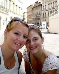 Deanna Knox, left, and her sister, Amanda, are pictured in Perugia - 2008118506
