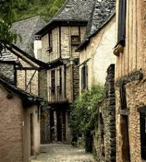 http://www.tourisme-aveyron.com/fr/culture/patrimoine/conques.php