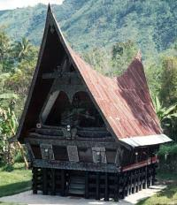 http://tbn0.google.com/images?q=tbn:tuc1cACkMsqw-M:http://www.bougerolle.net/travel/batak_house_sumatra.jpg