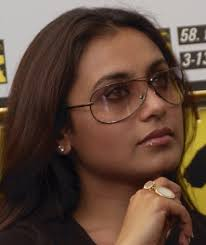 Rani Mukherjee Photo: Rani Mukherjee 322138. This is the photo of Rani Mukherjee. Rani Mukherjee was born on 01 Mar 1978 in Bengal, India. - rani-mukherjee-322138