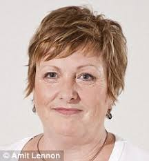 Elaine Phillips - article-1223780-06ACEF3C000005DC-86_224x241