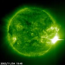 "http://www.spacetoday.org/images/SolSys/Sun/SolarFlareLargestEver700x700.jpg"" cannot be displayed, because it contains errors."