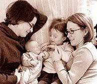 Cada vez son más las parejas de lesbianas con hijos
